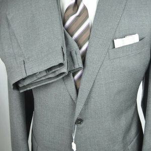 Armani Collezioni M Line Suit 46 R + Hugo Boss Tie